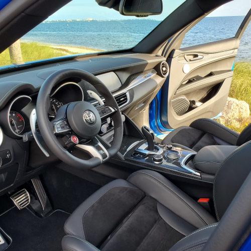 2020 Alfa Romeo Stelvio Consola Nacho Autos
