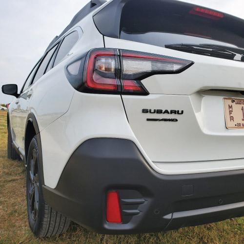 2020 Subaru Outback Trasera Izquierda Nacho Autos